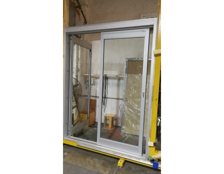 Sliding ICU door with breakaway function
